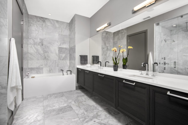 the-ronsley-luxury-condos-chicago-bathroom-design-dresner-design
